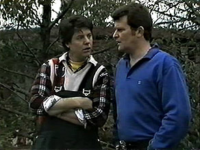 Joe Mangel, Des Clarke in Neighbours Episode 1282