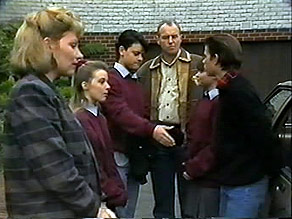 Beverly Robinson, Melissa Jarrett, Josh Anderson, Jim Robinson, Cody Willis, Todd Landers in Neighbours Episode 1283