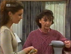 Gaby Willis, Pam Willis in Neighbours Episode 1946