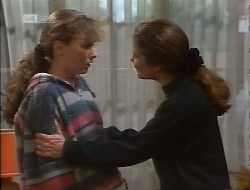 Debbie Martin, Julie Robinson in Neighbours Episode 1997