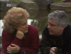 Cheryl Stark, Lou Carpenter in Neighbours Episode 1997