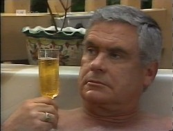 Lou Carpenter in Neighbours Episode 1997