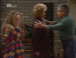 Lauren Carpenter, Cheryl Stark, Lou Carpenter in Neighbours Episode 1998