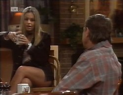 Lucy Robinson, Doug Willis in Neighbours Episode 1998