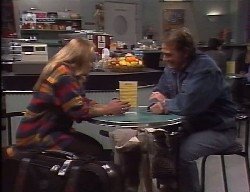 Lauren Carpenter, Doug Willis in Neighbours Episode 1998