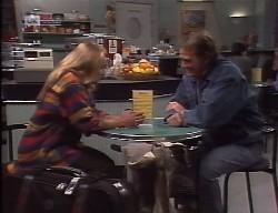 Lauren Carpenter, Doug Willis in Neighbours Episode 1998