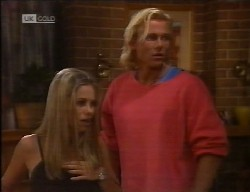 Lucy Robinson, Brad Willis in Neighbours Episode 1998