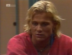 Brad Willis in Neighbours Episode 1999