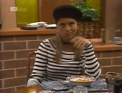 Lucy Robinson in Neighbours Episode 1999