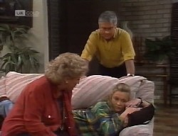 Cheryl Stark, Lou Carpenter, Lauren Turner in Neighbours Episode 1999