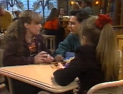 Debbie Martin, Rick Alessi, Hannah Martin in Neighbours Episode 1999