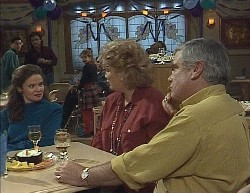 Rick Alessi, Julie Martin, Wayne Duncan, Hannah Martin, Cheryl Stark, Lou Carpenter in Neighbours Episode 2000
