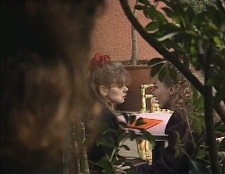 Julie Robinson, Hannah Martin, Debbie Martin in Neighbours Episode 2000
