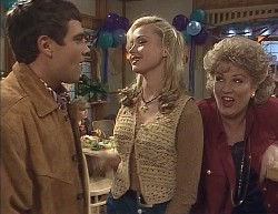 Mark Gottlieb, Debbie Martin, Annalise Hartman, Cheryl Stark in Neighbours Episode 2000