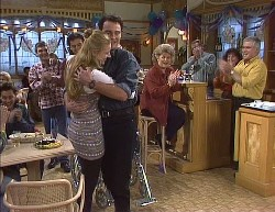 Mark Gottlieb, Wayne Duncan, Phoebe Bright, Stephen Gottlieb, Cheryl Stark, Lou Carpenter in Neighbours Episode 2000