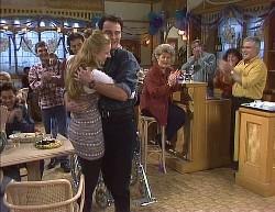 Mark Gottlieb, Wayne Duncan, Phoebe Bright, Stephen Gottlieb, Cheryl Stark, Lou Carpenter in Neighbours Episode 2000