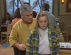 Lou Carpenter, Lauren Turner in Neighbours Episode 2000
