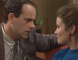Philip Martin, Julie Robinson in Neighbours Episode 2000