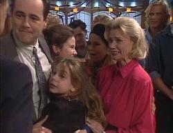 Paul Robinson, Philip Martin, Hannah Martin, Julie Robinson, Rick Alessi, Lucy Robinson, Helen Daniels, Brad Willis, Stephen Gottlie in Neighbours Episode 2000
