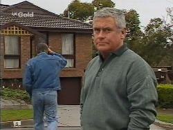 Doug Willis, Lou Carpenter  in Neighbours Episode 2236