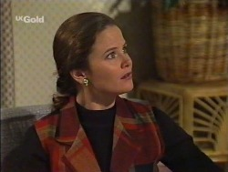 Julie Robinson in Neighbours Episode 2237