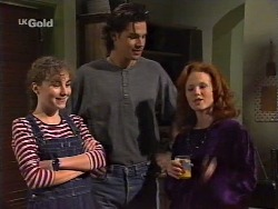 Debbie Martin, Sam Kratz, Ren Gottlieb in Neighbours Episode 2239