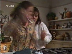 Julie Martin, Pam Willis in Neighbours Episode 2239