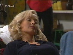 Annalise Hartman, Sam Kratz in Neighbours Episode 2527