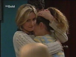 Jen Handley, Luke Handley, Hannah Martin, Helen Daniels in Neighbours Episode 2527