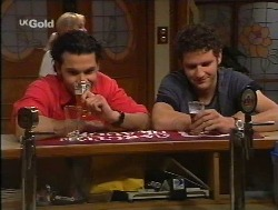 Sam Kratz, Luke Handley in Neighbours Episode 2527