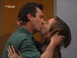 Karl Kennedy, Kate Cornwall in Neighbours Episode 2529