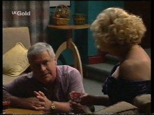 Lou Carpenter, Madge Bishop in Neighbours Episode 2755