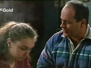 Debbie Martin, Philip Martin in Neighbours Episode 2922