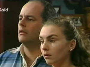 Philip Martin, Debbie Martin in Neighbours Episode 2922