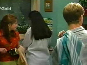Anne Wilkinson, Susan Kennedy, Billy Kennedy in Neighbours Episode 2922