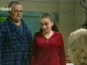 Harold Bishop, Debbie Martin, Madge Bishop in Neighbours Episode 2922