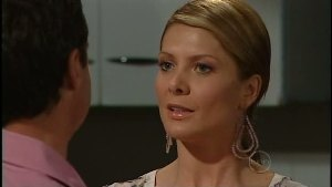 Paul Robinson, Izzy Hoyland in Neighbours Episode 4896