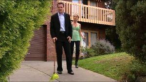 Paul Robinson, Izzy Hoyland in Neighbours Episode 4897