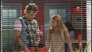 Ned Parker, Izzy Hoyland in Neighbours Episode 4898