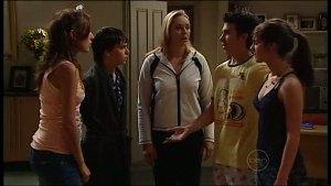 Katya Kinski, Zeke Kinski, Janelle Timmins, Stingray Timmins, Rachel Kinski in Neighbours Episode 4934