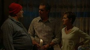 Tom Kennedy, Karl Kennedy, Susan Kennedy in Neighbours Episode 4995