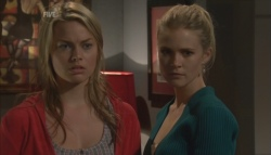 Donna Freedman, Elle Robinson in Neighbours Episode 5607