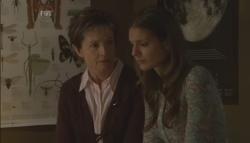 Susan Kennedy, Rachel Kinski in Neighbours Episode 5607