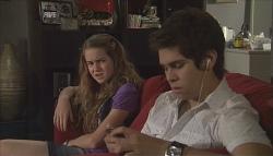 Tegan Freedman, Simon Freedman in Neighbours Episode 5612