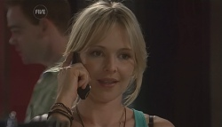 Steph Scully in Neighbours Episode 5612