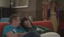 Toadie Rebecchi, Kelly Katsis, Rachel Kinski in Neighbours Episode 5613