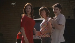 Rebecca Napier, Bridget Parker, Declan Napier in Neighbours Episode 5615
