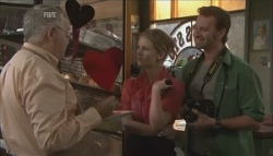 Harold Bishop, Elle Robinson, Lucas Fitzgerald in Neighbours Episode 5621