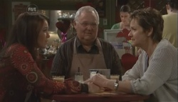 Libby Kennedy, Harold Bishop, Susan Kennedy in Neighbours Episode 5621