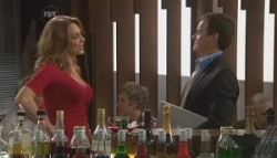 Cassandra Freedman, Paul Robinson in Neighbours Episode 5622